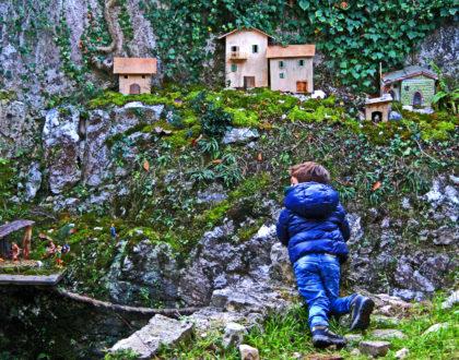 Andar per chiese e borghi medievali. Programma di visite guidate a Campo e dintorni.
